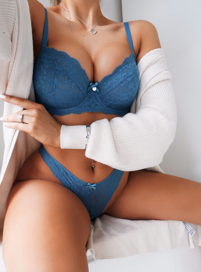 Mollie unpadded balconette lingerie set