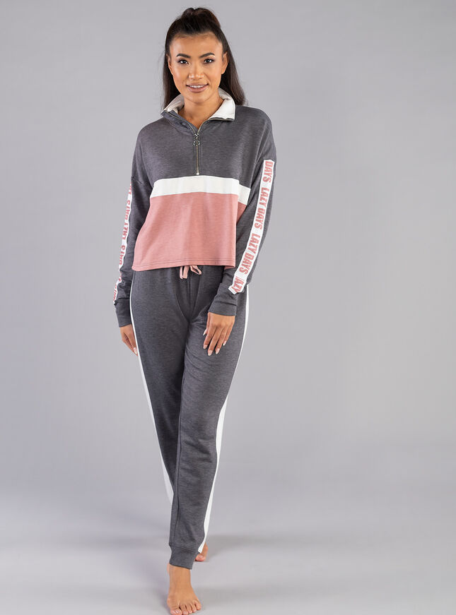 Lazy days top and jogger