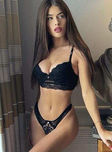 Maybelle plunge bra