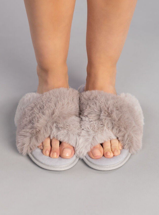 Cross band slippers