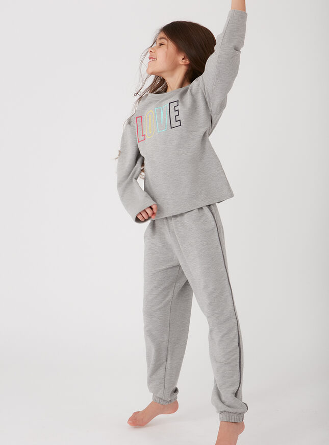 Girls love slogan pyjama set