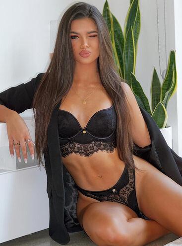 Sandy lace longline bra