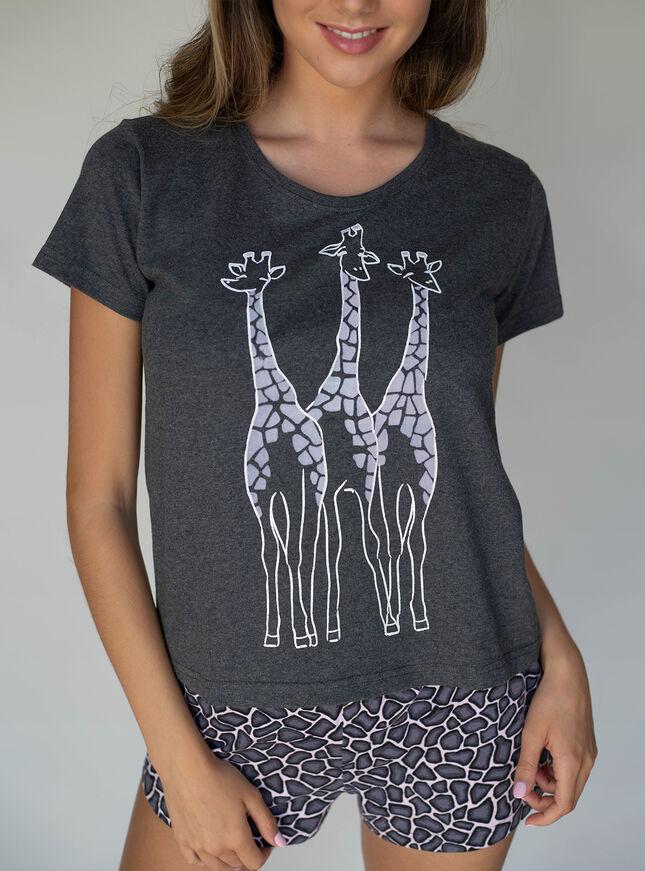 Giraffe printed tee & short set