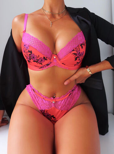 Cordelia balconette lingerie set