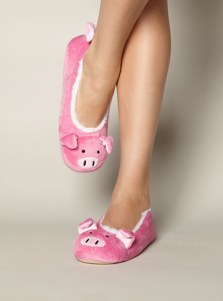 Pretty pig slippers