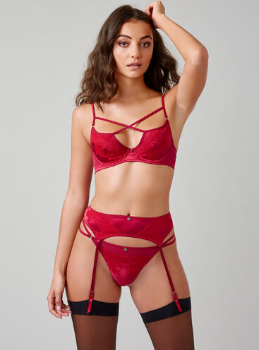 Applique lace suspender belt