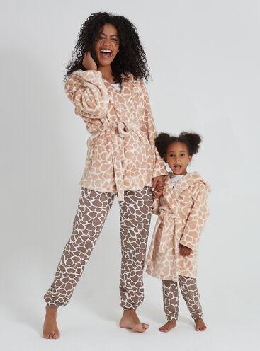 Pretty giraffe family robe set