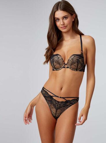 Amari lace plunge lingerie set