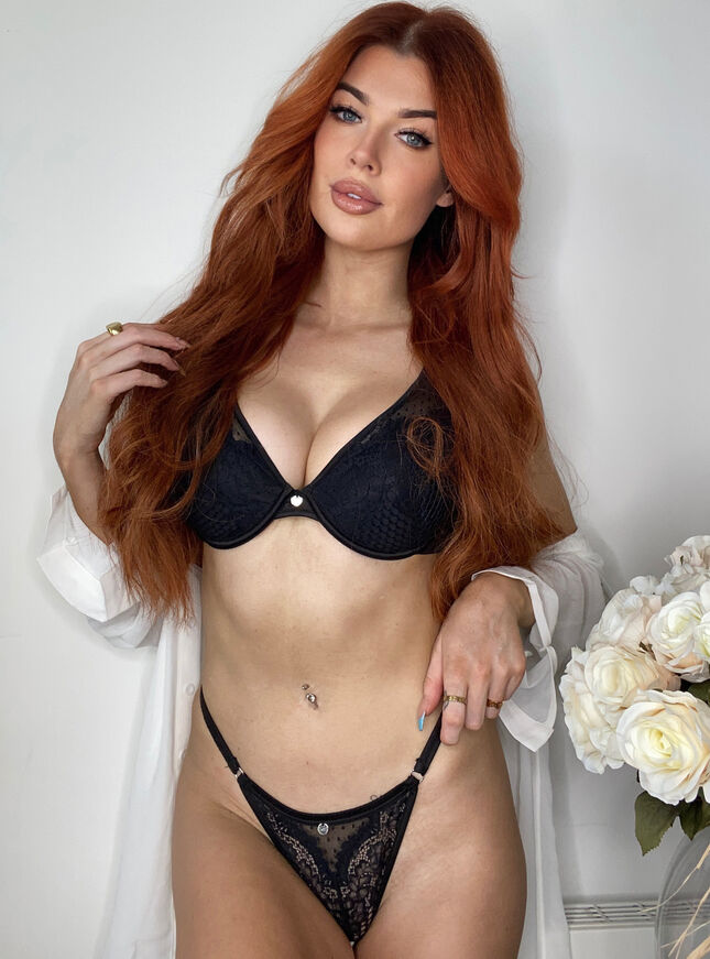 Jessie high apex plunge lingerie set