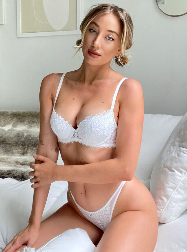 Piper lace and mesh padded balconette bra