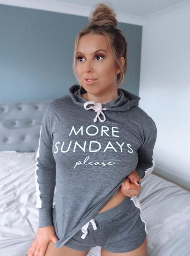 More sundays' please hoody & short