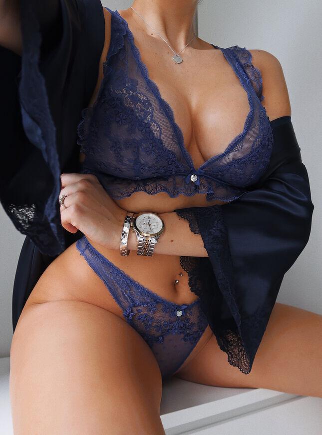 Nettie triangle lingerie set