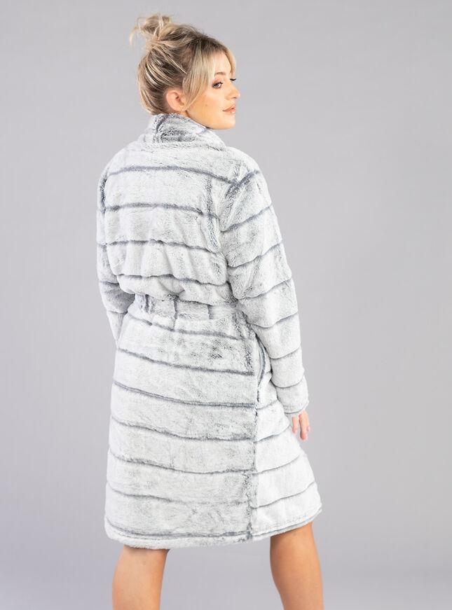 Stripe fur shawl dressing gown