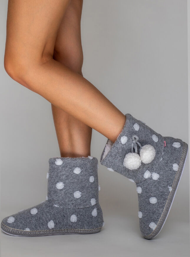 Spot boot slippers