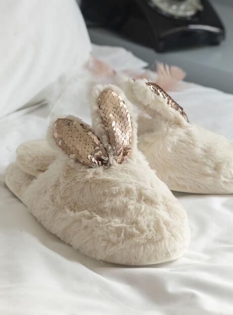 Rabbit sparkle slippers