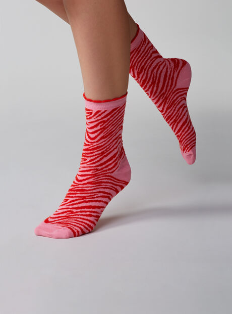 2 pack lips and zebra socks