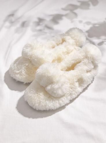 Fluffy pom mule slippers