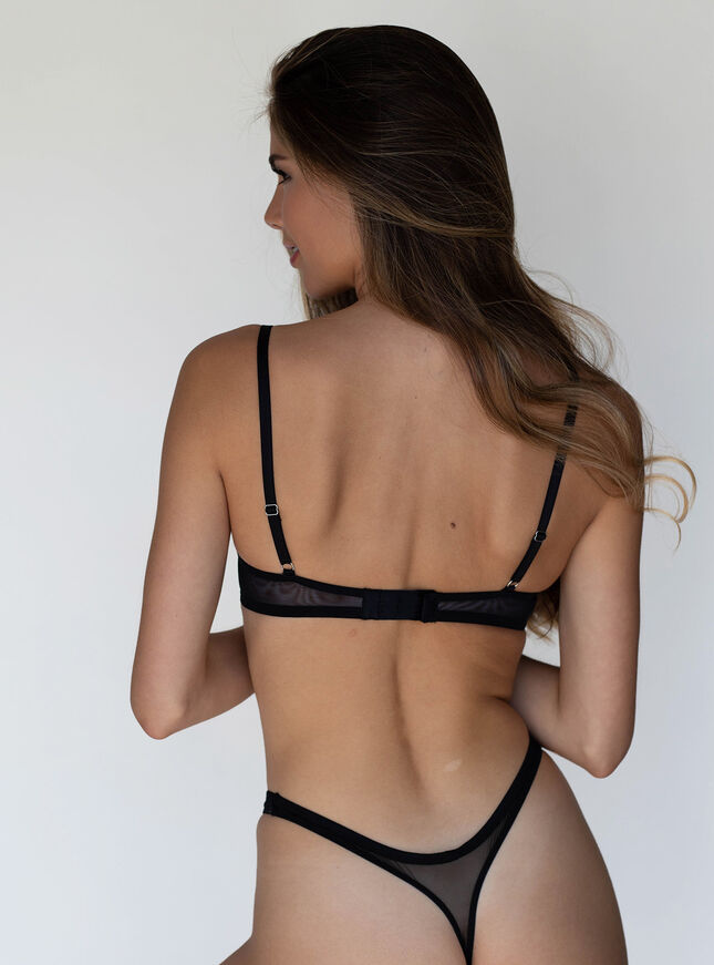 Keyla plunge lingerie set