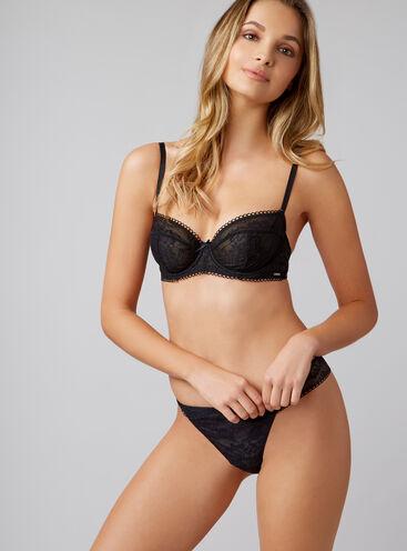 Lizzie full support balconette lingerie set