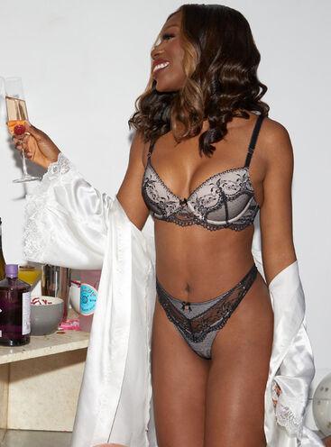 Leanna plunge lingerie set