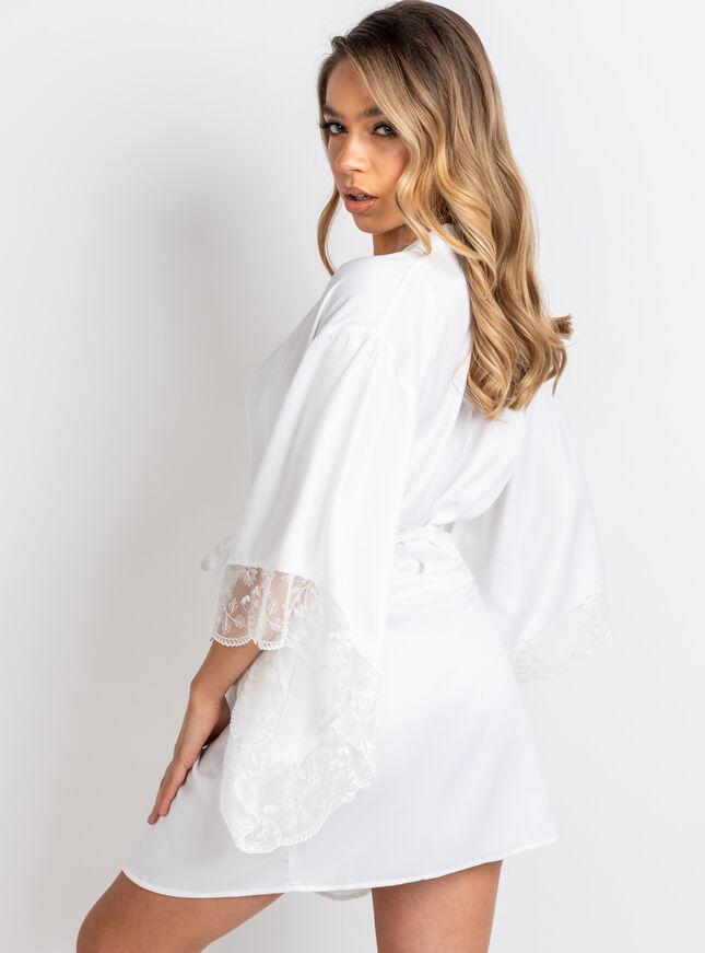 Izzy satin kimono