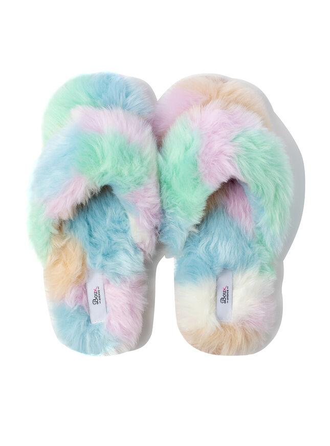 Fluffy flip flop slippers