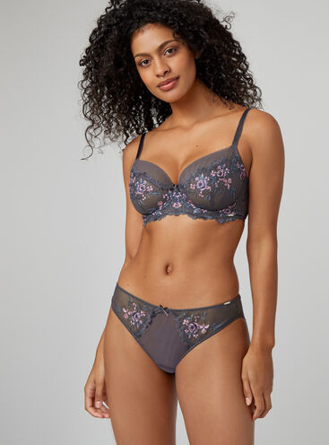 Lizzie embroidered balconette lingerie set