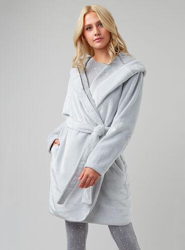 Waterfall robe