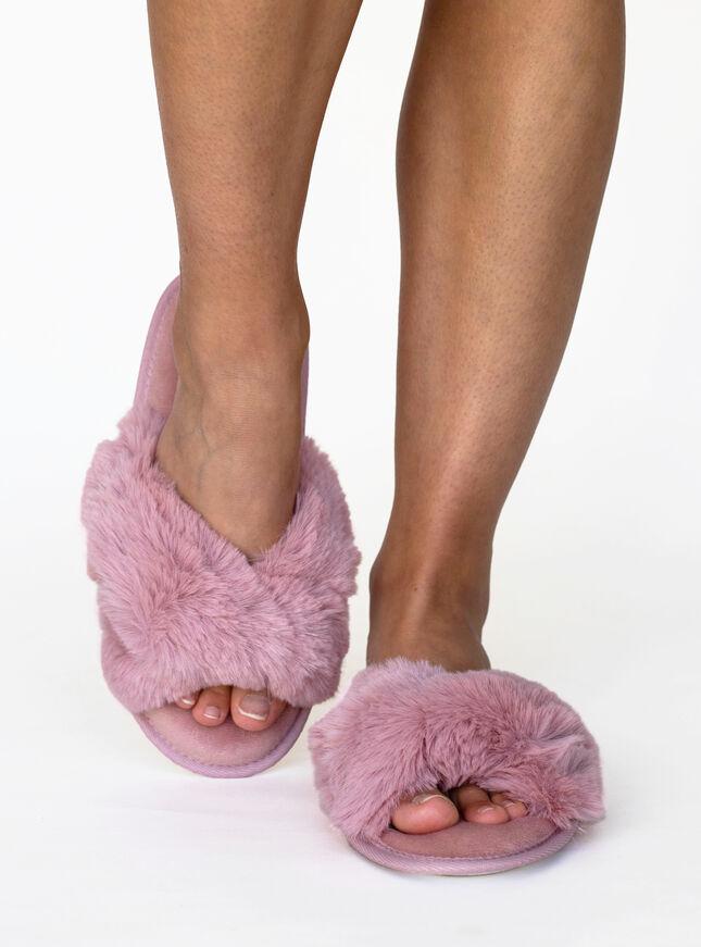 Knot twist fur slippers