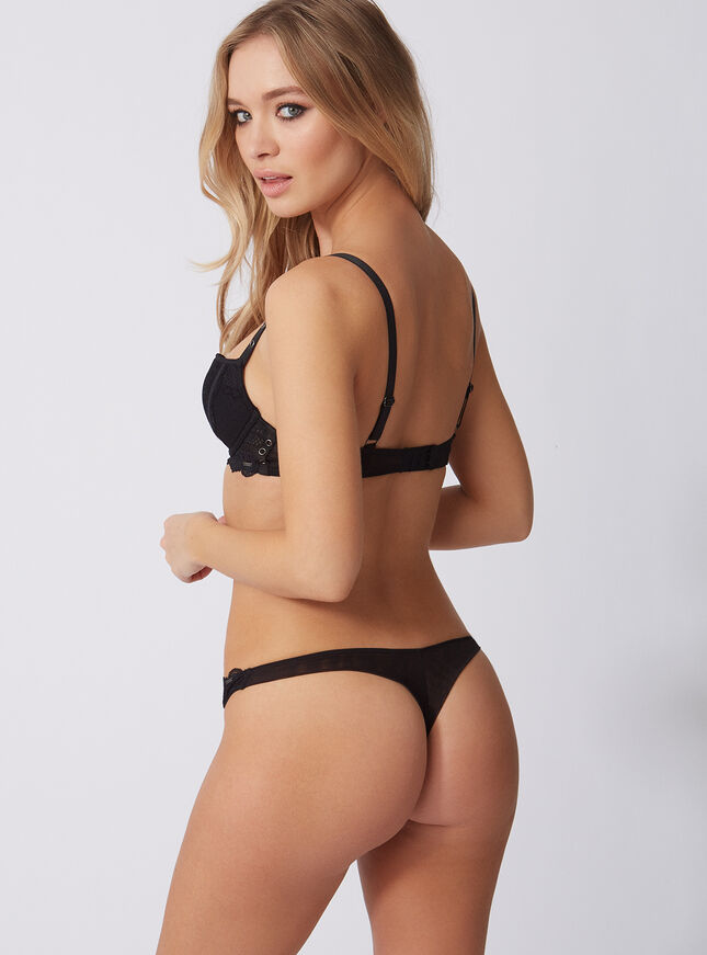 Margot thong