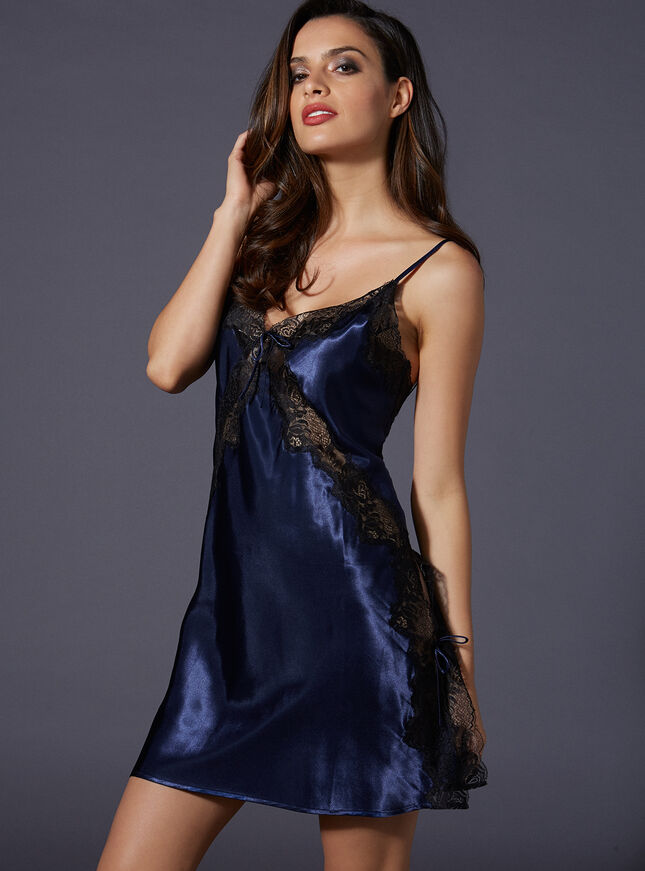 Madison satin chemise