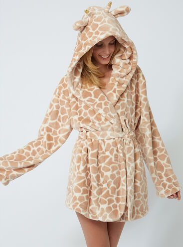Pretty giraffe dressing gown
