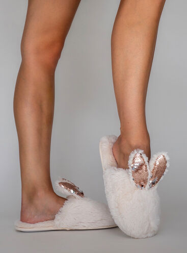 Rabbit sparkle slippers