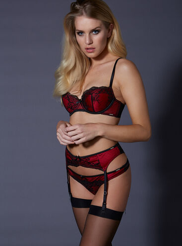Jacqui lace suspender belt