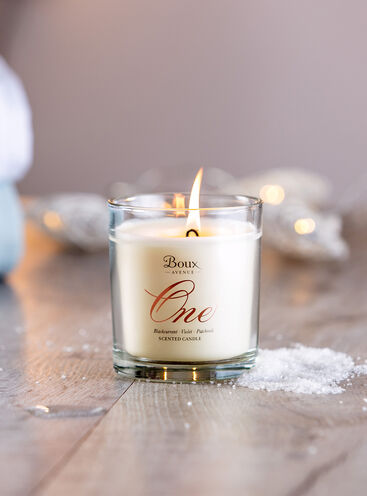 Boux One candle