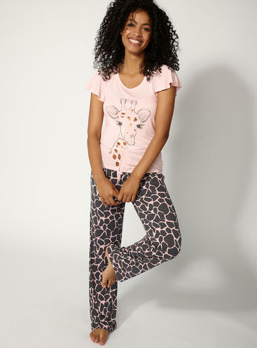 Giraffe tee and pants set 896e5c35d
