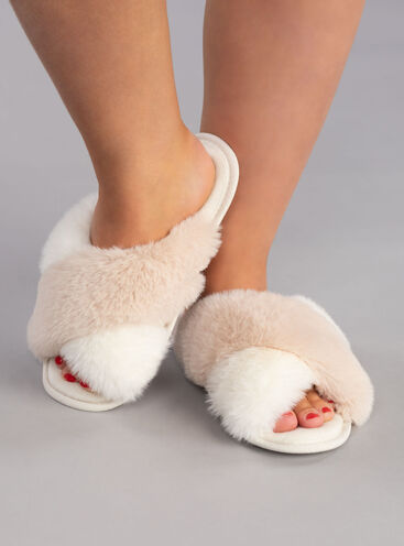 Cross band slippers