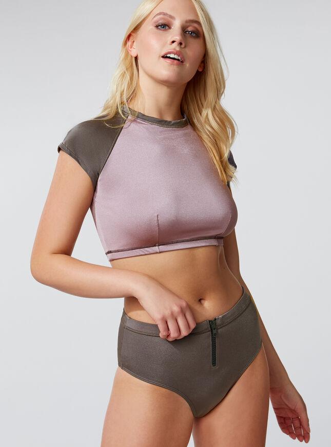 Activewear rash vest