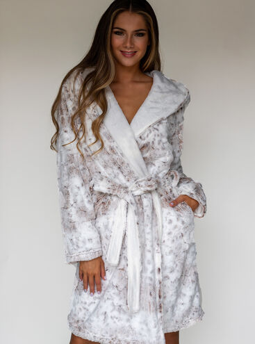 Snow lynx dressing gown
