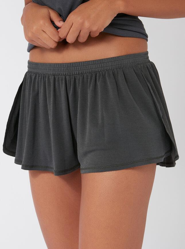 Slinky ribbed flutter shorts