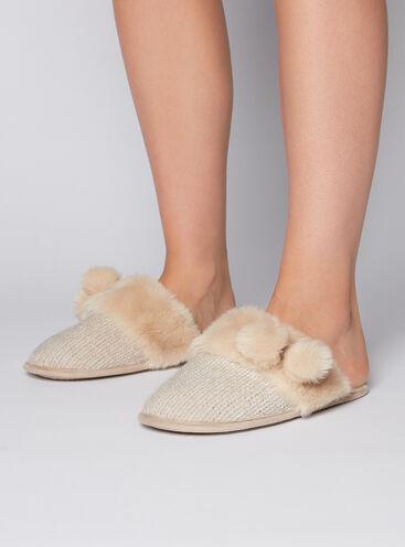 Chenille pom pom slippers