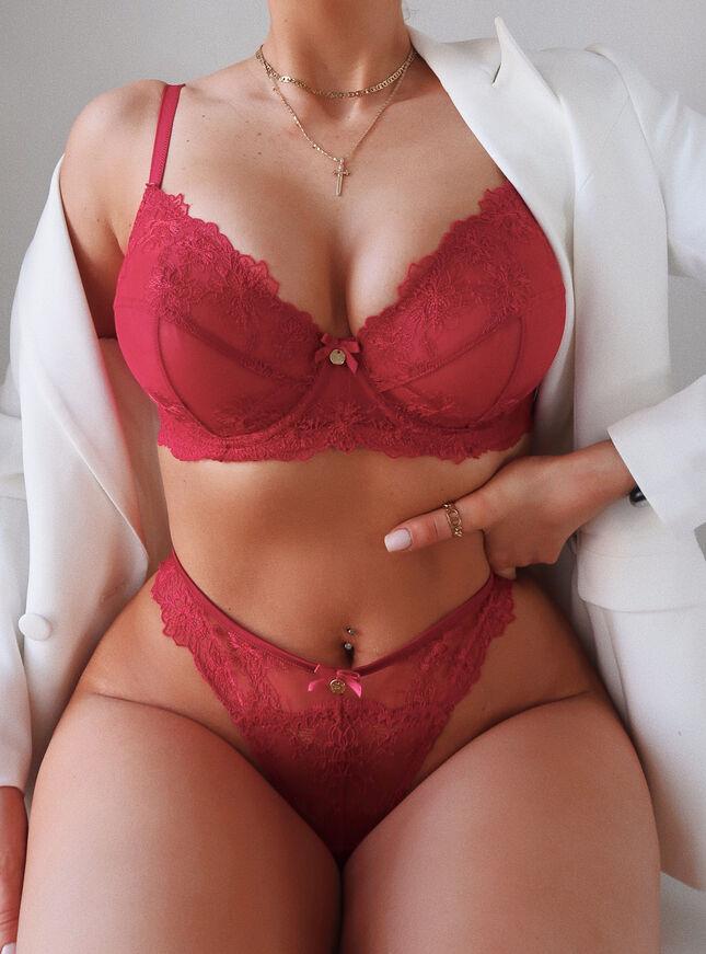 Alicia balconette lingerie set
