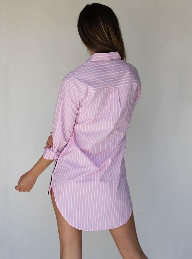 Stripe tape nightshirt