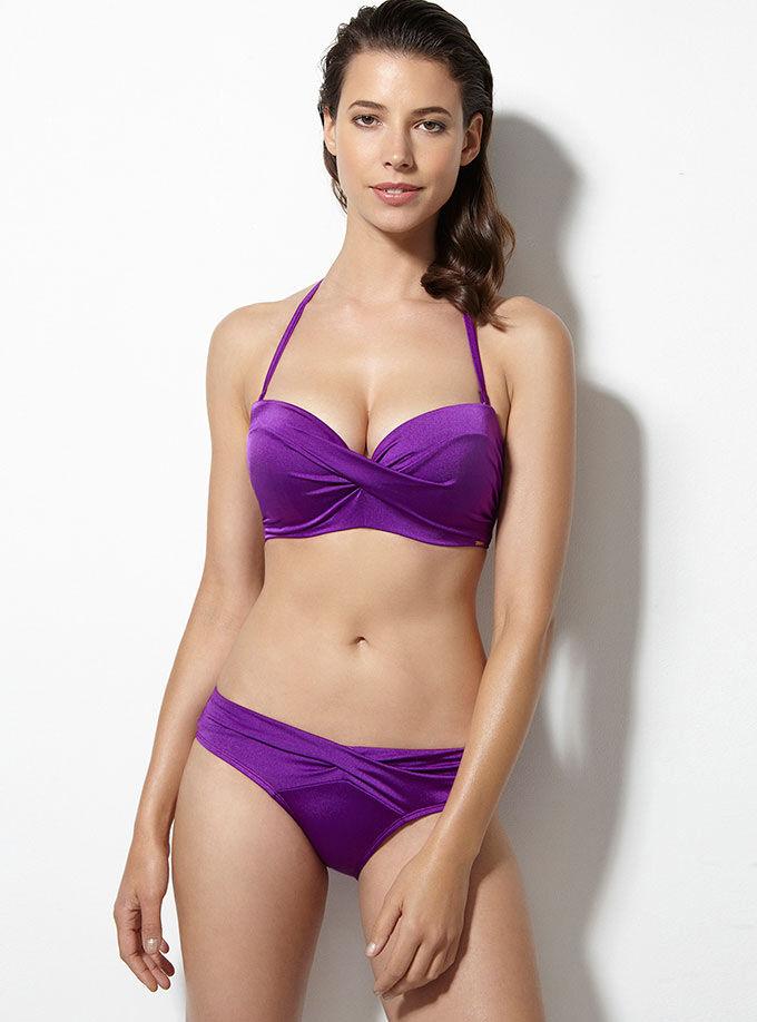 f3bfcdc413a14 Vienna twisted bikini top. Model wears size 32E