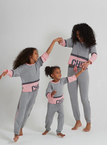 """""""Chill out"""" family pyjama set"""