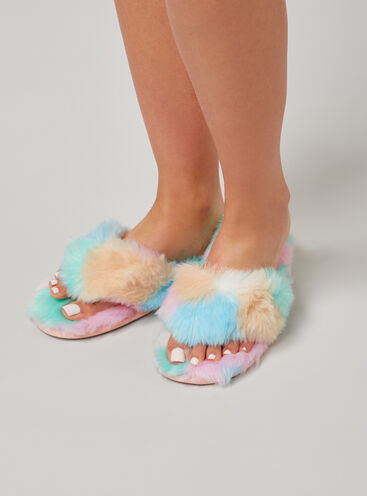 Fluffy flip flop slippers