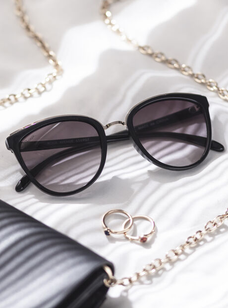 Black metal trim sunglasses