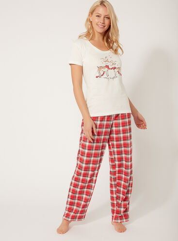 Reindeer family pyjama gift set