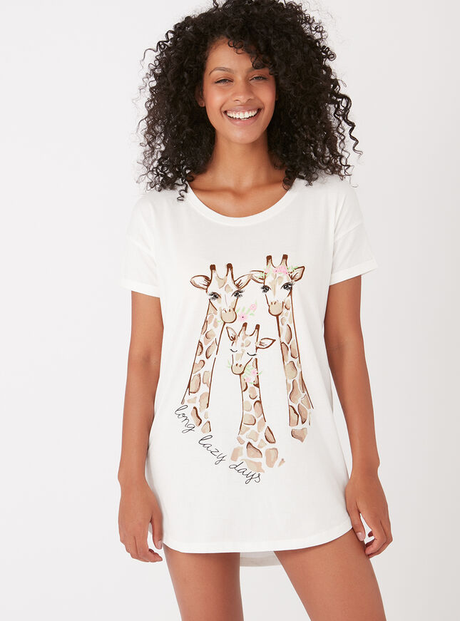 Giraffe trio sleep tee