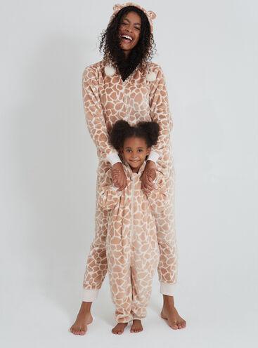 Pretty giraffe family onesies